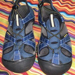 Keen Women's 6.5 Blue sandals Waterproof